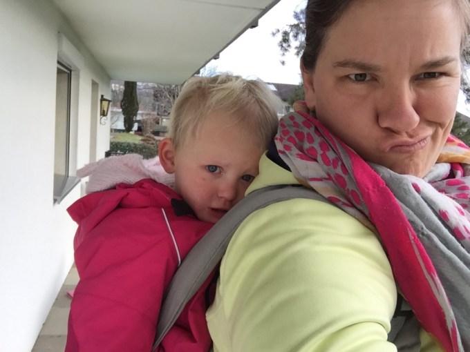 Op zondag besluit ik alvast een stukje te wandelen. Ze voorspellen slecht weer deze week! Liza had niet zoveel zin, maar sliep na 5 minuten :)