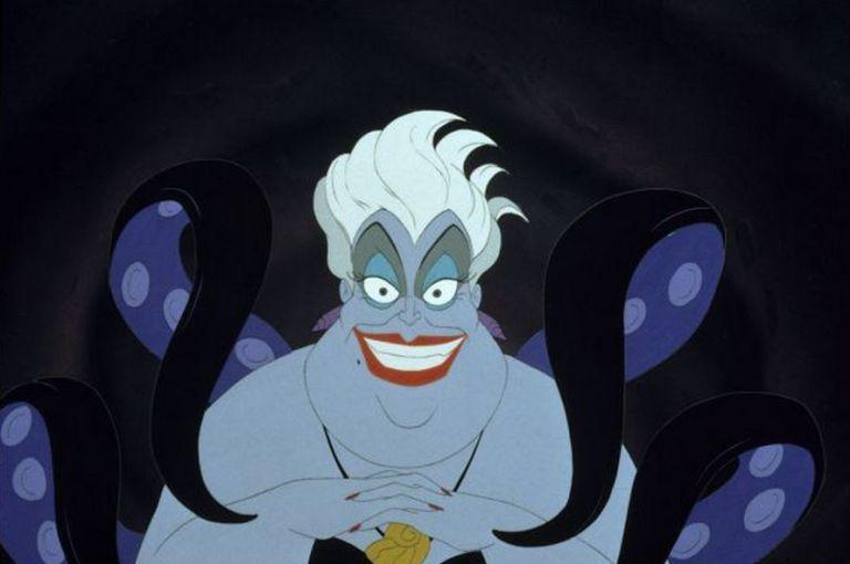 9. Ursula half mens, half octopus, heeft maar 6 armen in plaats van acht. Waarom? Omdat dat eenvoudig weg gewoon goedkoper was.