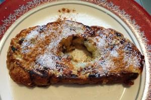 Wentelteefje van kerstbrood. Geen gezicht, maar zo lekker!