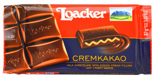 Loacker Cremkakao chocolate bar.