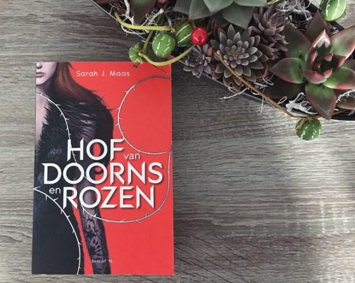 Omslag Hof van Doorns en Rozen Sarah J Maas