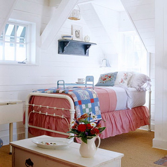 Cute Red, White & Blue Attic Bedroom Pictures, Photos, And