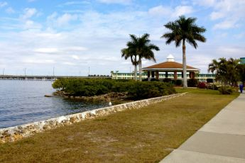 Bike paths along the water