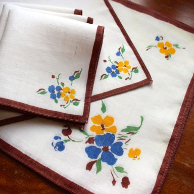 Springtime on placemats and napkins