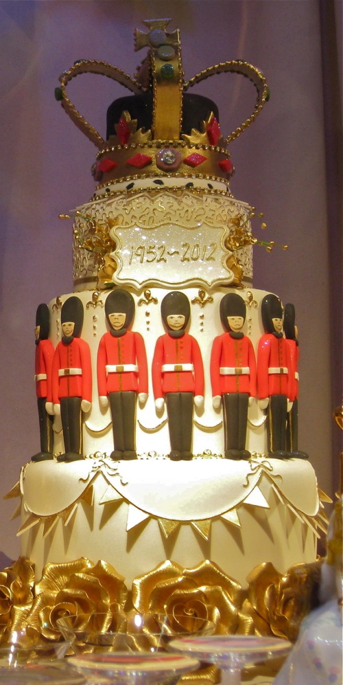 The Queen's Diamond Jubilee Cake with Royal Crown and Guards