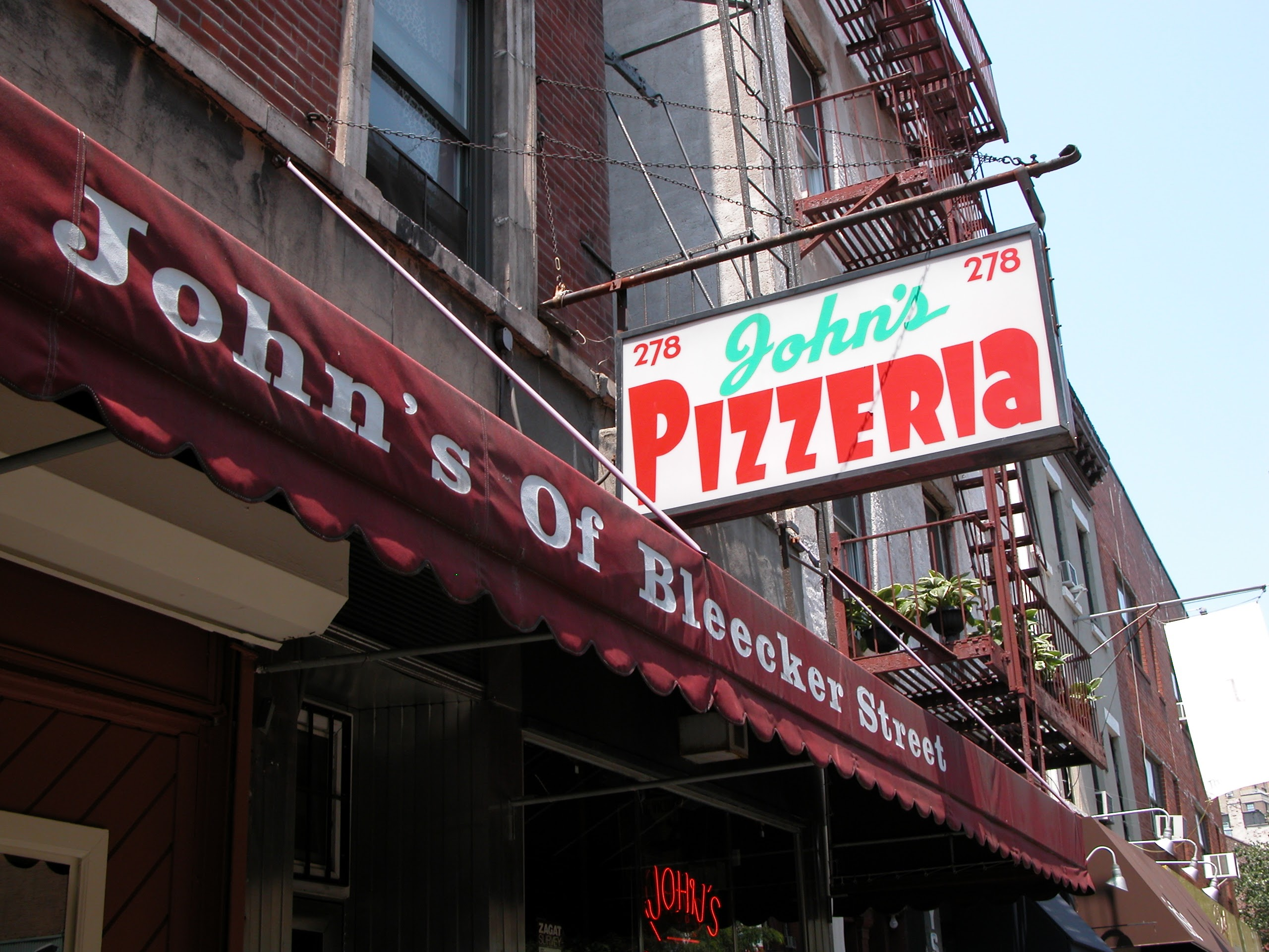 John's Pizzeria, Greenwich Village, NY