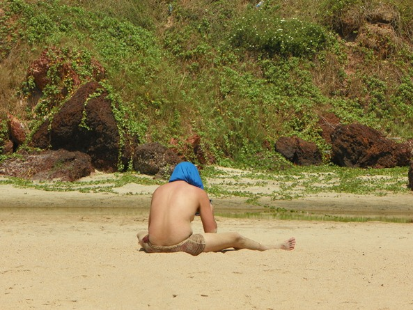 Рома нашел wi-fi на пляже