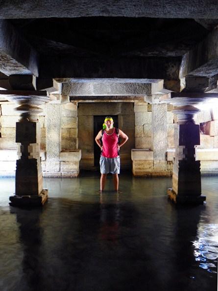 Подземный храм Шивы
