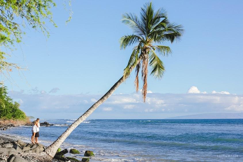 Maui Hawaii wedding www.lovewaterphoto.com #maui #hawaii #elopement #surfboard #wedding #destinationwedding #bride #weddingphotography