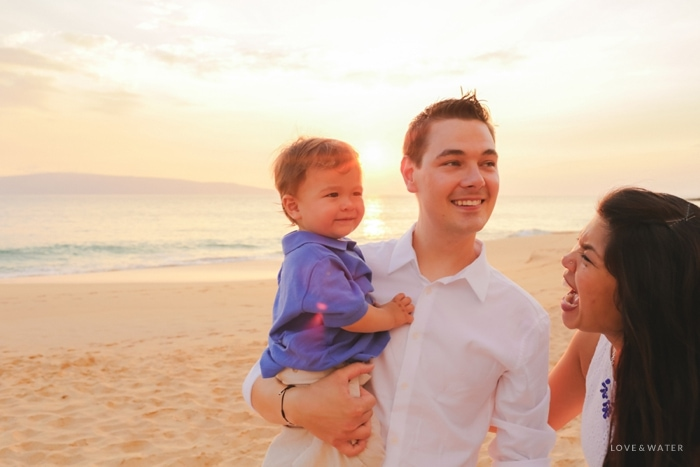 Happy family Maui photography session