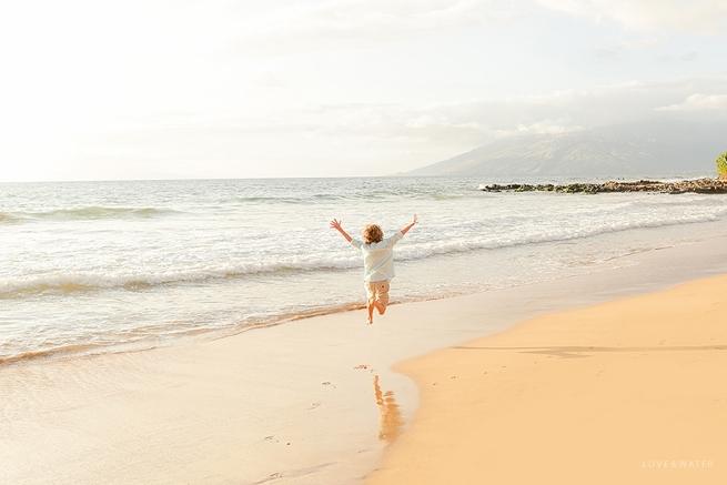 Maui-Vacation-Portraits-at-Beach_0150.jpg
