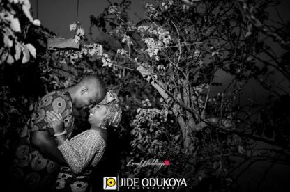 nigerian-trad-pre-wedding-shoot-dami-and-phoebe-pda16-jide-odukoya-photography-loveweddingsng