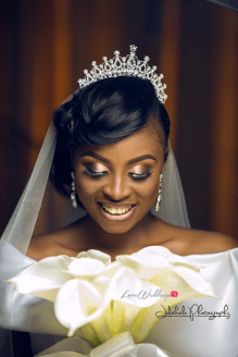 Nigerian Bride Makeup and Bouquet #ifuekola17 Jide Kola LoveWeddingsNG