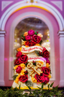 Ollie & Bae's 50's Hollywood Vintage Glamour Themed Wedding Cake AFMENA Events LoveWeddingsNG 2