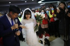 Yang Chunyan marries herself in Wulong People's Hospital in Chongqing, China LoveWeddingsNG