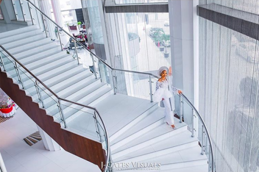 Nigerian Traditional Bride walking down the stairs Oyindamola and Abisoye JGates Visuals LoveWeddingsNG
