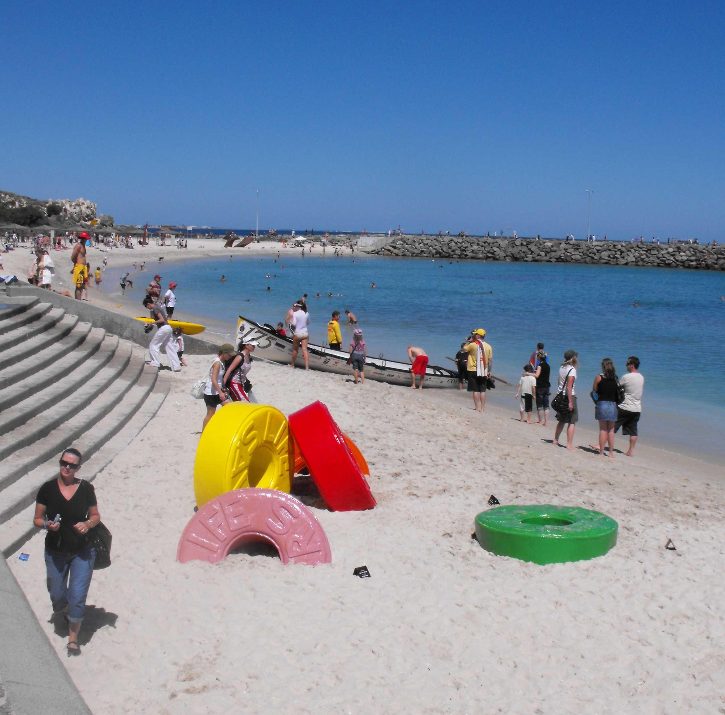 Cottesloe beach - Mar 09