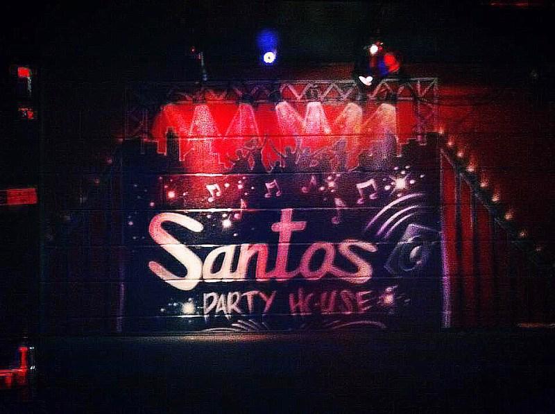 1017_Santos Party House_01