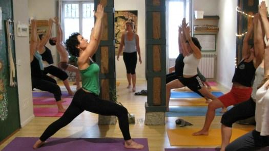 Clase de Yoga en Casa Cuadrau