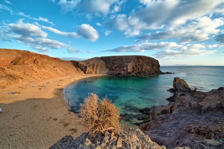 yoga en la Isla de Lanzarote