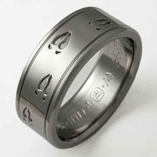 titanium-wedding-band