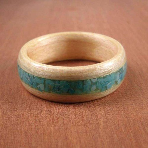 wooden_ring_maple_with_turquoise_inlay_8fd04a8d