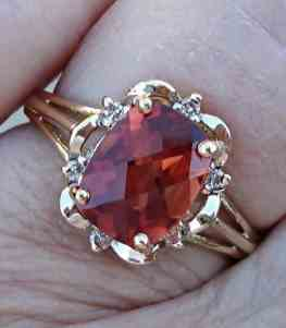 carat-red-andesine-labradorite-and-diamond-yellow-gold-ring