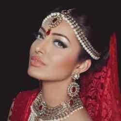 pearls simple elegant exotic