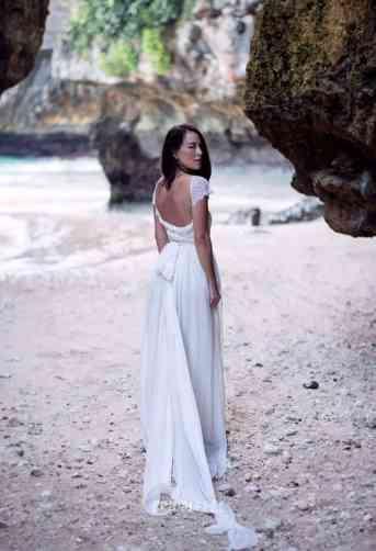 tail-beach-wedding-dress-1