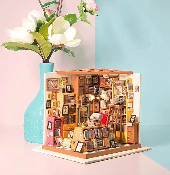 Lovely Style Wooden Doll House Bookstore