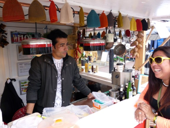 Juan @ his Colombian stall in Ridley Rd Market 27 June 2013 © ∂å