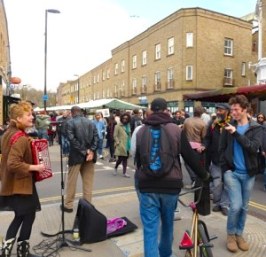 A busker and singer Sam Lee @ Broadway Market Hackney Lon E8 2013  © david.altheer@gmail.com