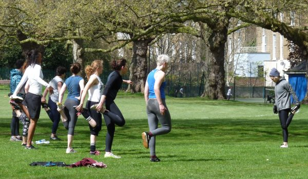 Fitness class London Fields E8 © David Altheer 230416