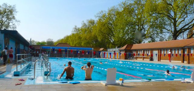 London Fields Lido © david Altheer