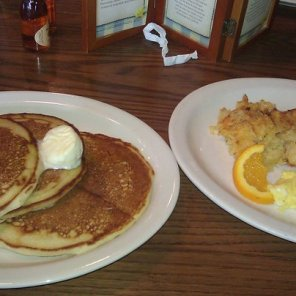 Cracker Barrel Momma's Pancake Breakfast