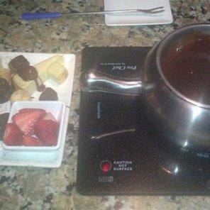 The Melting Pot Pure Chocolate Milk Chocolate Fondue