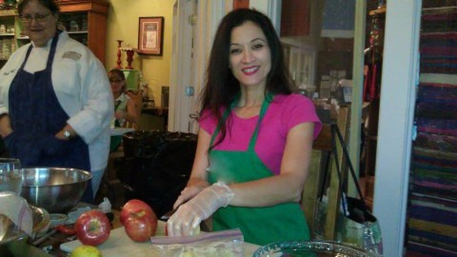 Making an apple pie