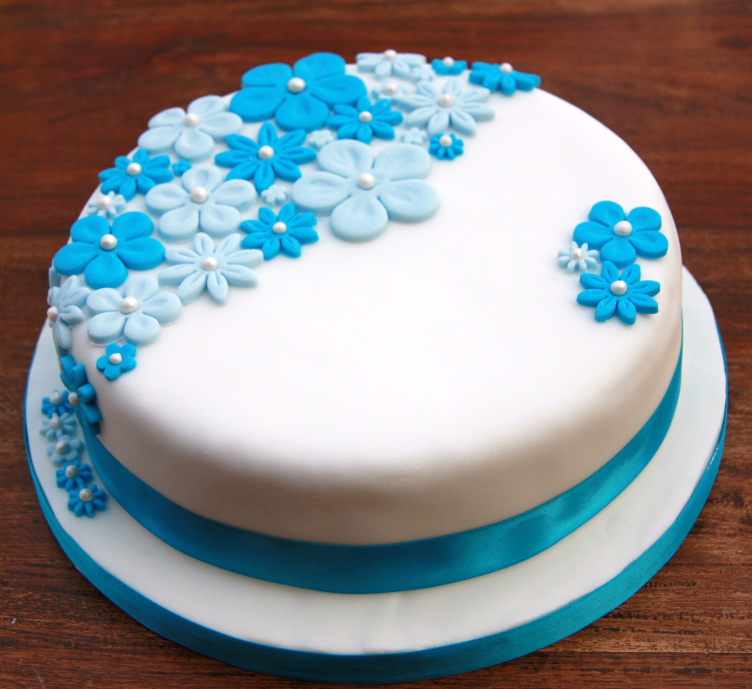 Birthday Cake With Blue Flowers  Lovinghomemade