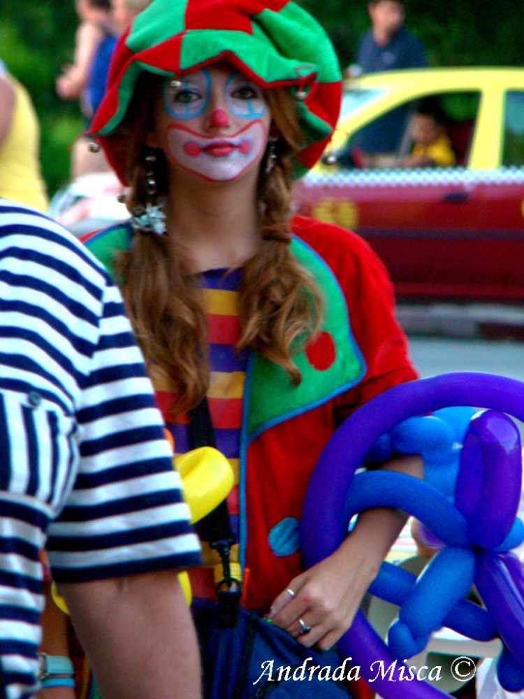 Clown Girl on the street no 2