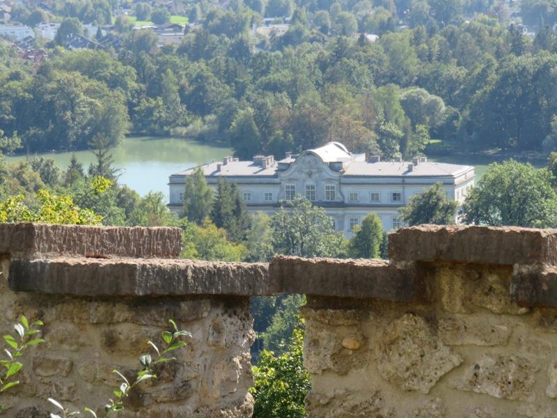 © loving Salzburg TV |Blick von der Richterhöhe auf Schloss Leopodskron