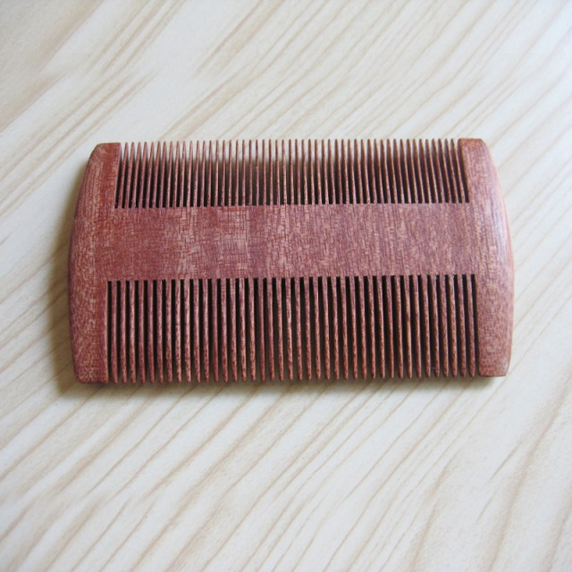 1PCS Pocket Wooden Natural Sandalwood Super Narrow Tooth Wood Comb