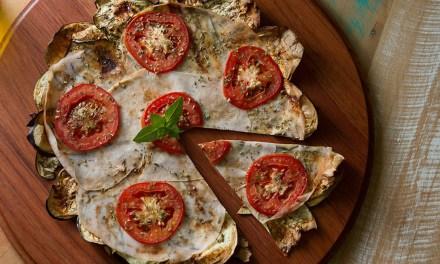 Pizza de berinjela low carb para você se inspirar