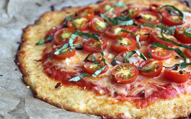 Pizza low carb com 9 receitas para você fazer