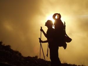 trekking-245311_640-300x225