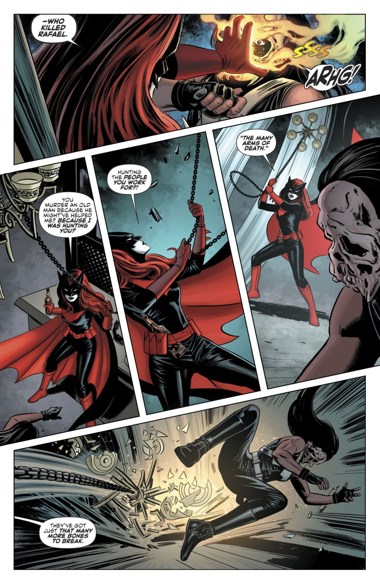 Batwoman vs Knife Batwoman 2