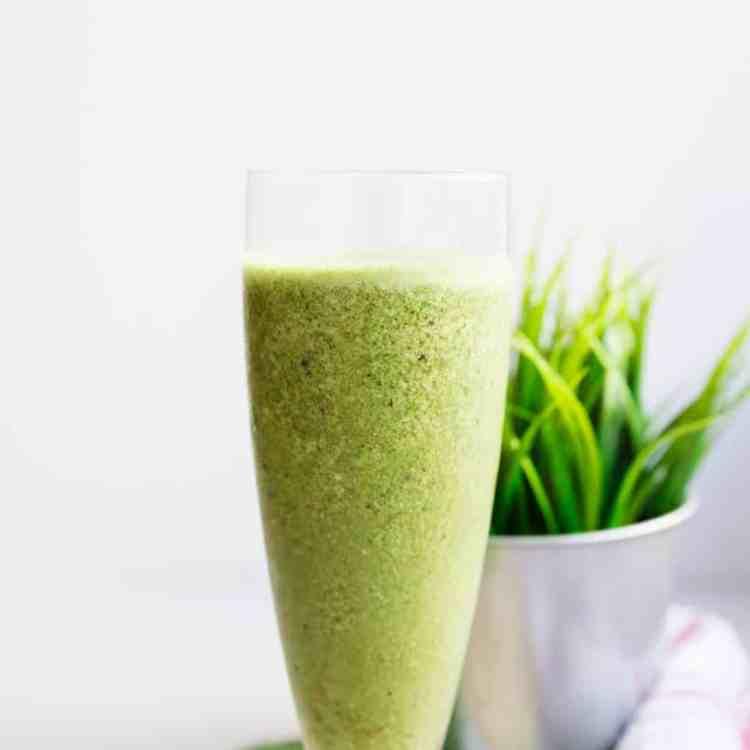 keto Matcha Green Energy Smoothie pic