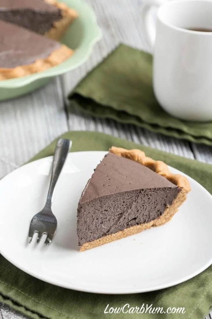 Keto Dark Chocolate Mousse Pie With Peanut Flour Crust