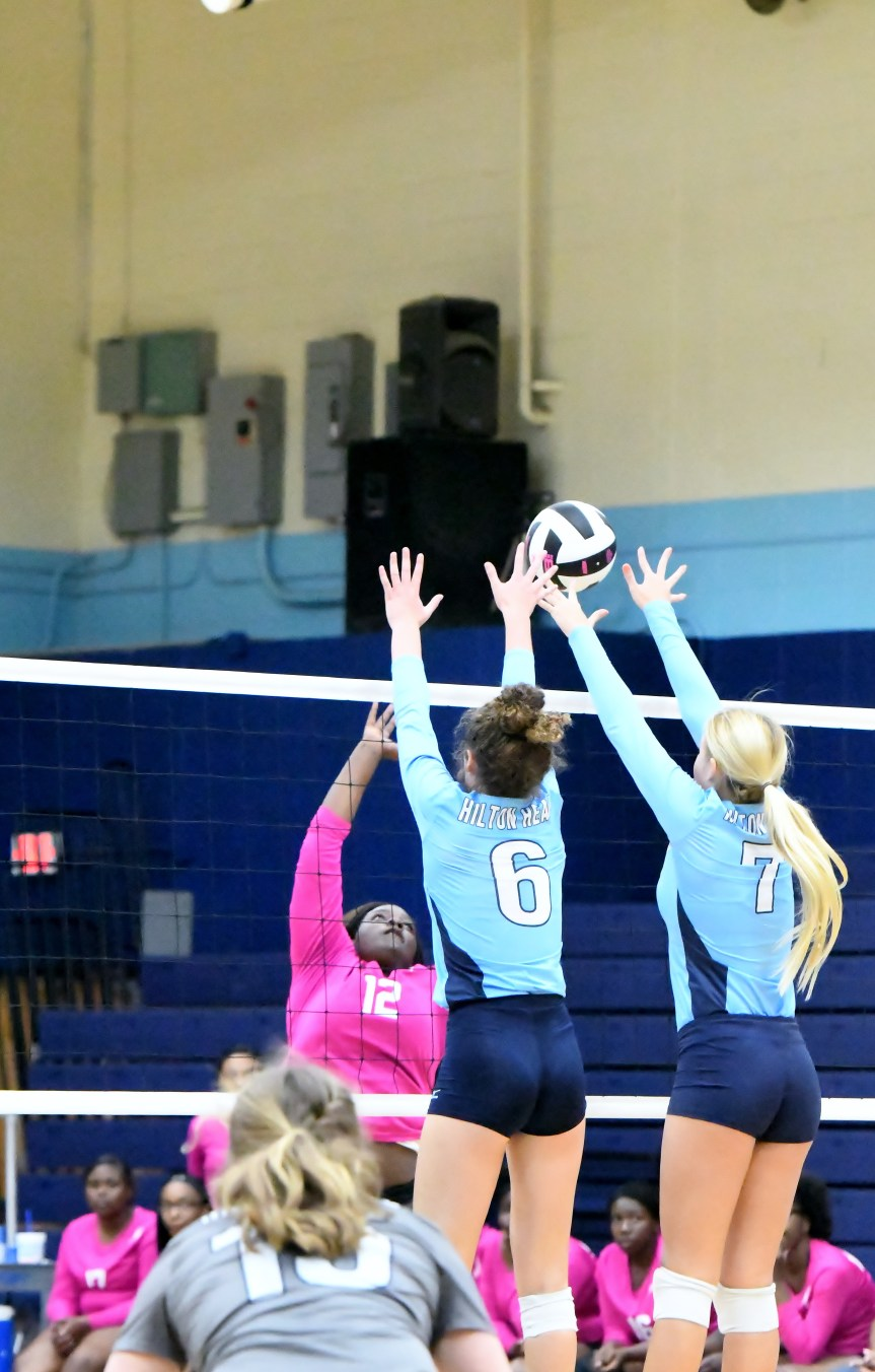 HS VB: Seahawks Advance To 3rd Round Of 4A Playoffs