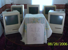 funeral for a Mac Plus