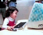 child using imac in Apple store